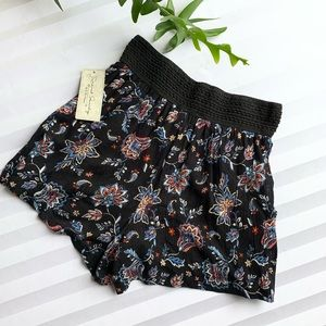 French Laundry Floral Shorts w/ pockets